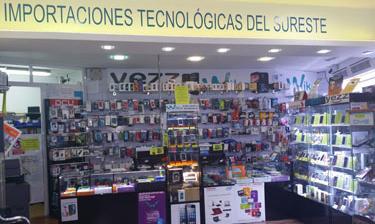 Mostrador de la tienda en Murcia